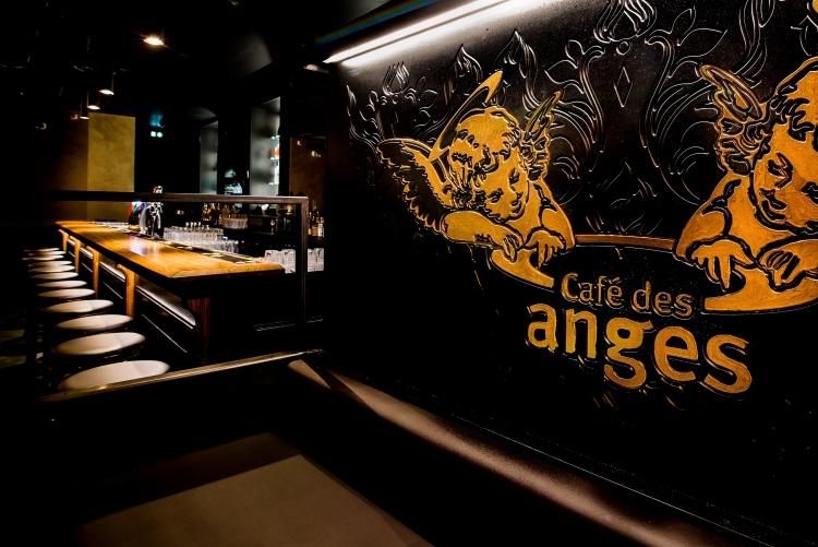 Frög architecture   Le Café des anges   © EV Studio